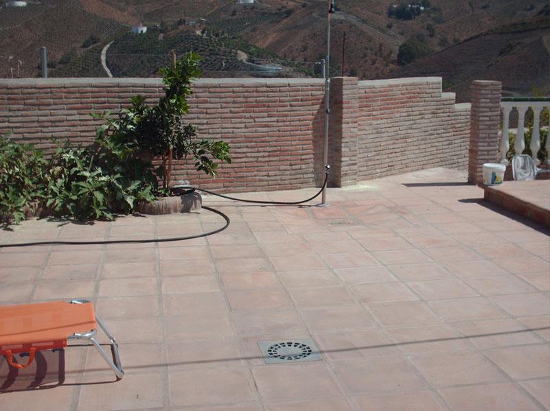 suelos de barro compuesto de baldosas rsticas de xcm al natural excelentes para terrazas amplias y piscinas todas las baldosas de barro en exterior