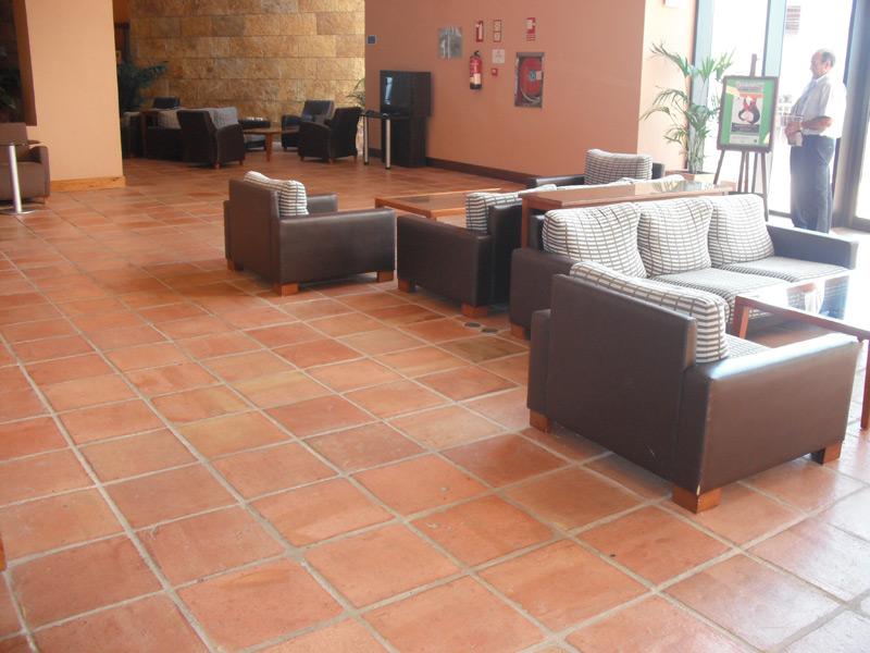Suelos rusticos para interior precios materiales de for Pavimentos ceramicos baratos