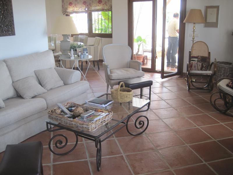 Proyectos r sticos lobillo for Baldosas para pisos interiores
